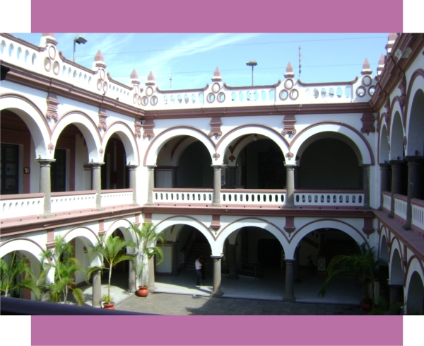 Patio central del Palacio Municipal de Veracruz, construido en 1935.