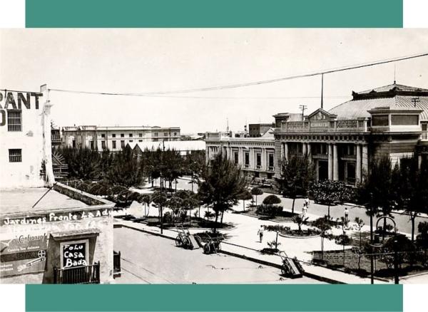 Foto de finales de la década de 1930. En esta imagen se aprecia con claridad el recorte que se hizo en estos años a los andadores y áreas verdes.