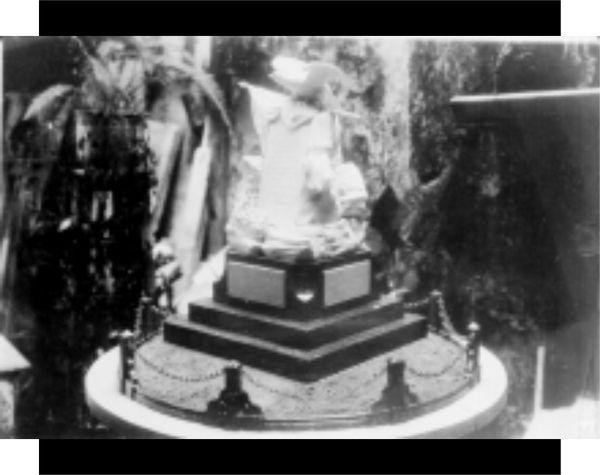 Maqueta del cuarto monumento dedicado a los héroes de 1847 y 1914. La foto, posiblemente sea de la década de 1930. Fuente de foto: Fototeca Nacional, núm. de inventario: 82512.