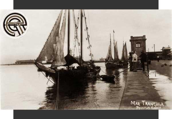 Núm. 11.- Veleros en el muelle de Veracruz a mediados de la década de 1920. Autor de la foto: José María Peniza y Trigos.