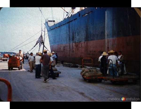 Veracruz aduana muelle 1950s c turistas 02a blog 01